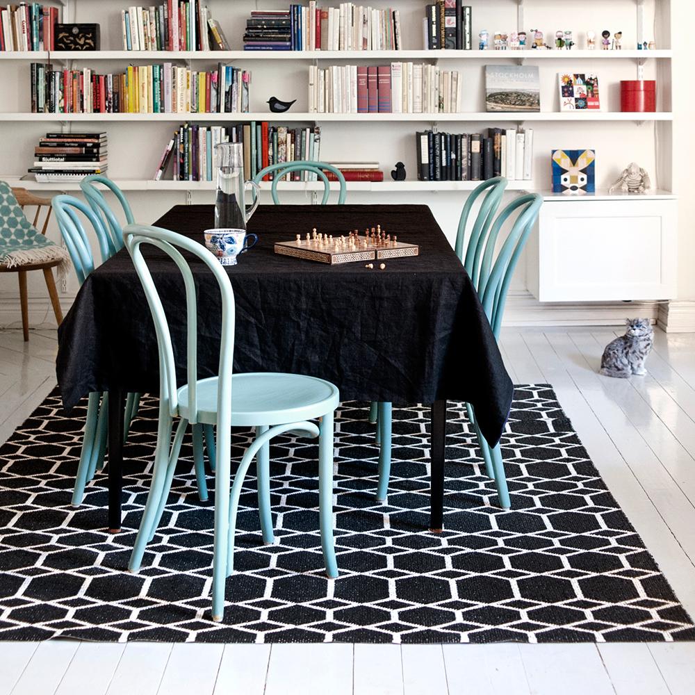 ingrid matta 200x300 cm svart brita sweden brita sweden. Black Bedroom Furniture Sets. Home Design Ideas