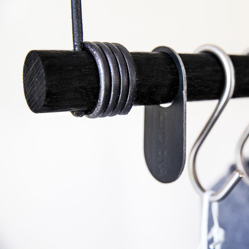 Swing Klädhängare 80cm, Svart Svart Läder LindDNA Lind DNA RoyalDesign se