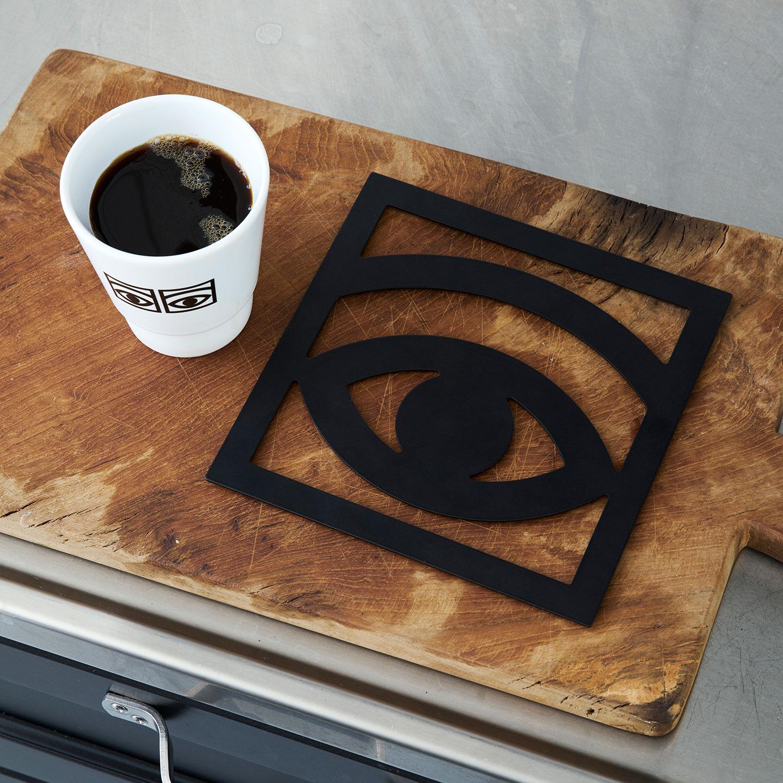 Ögon Cacao Grytunderlägg 18x18cm, Svart, Olle Eksell